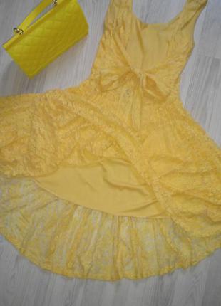 Обалденное желтое кружевное платье