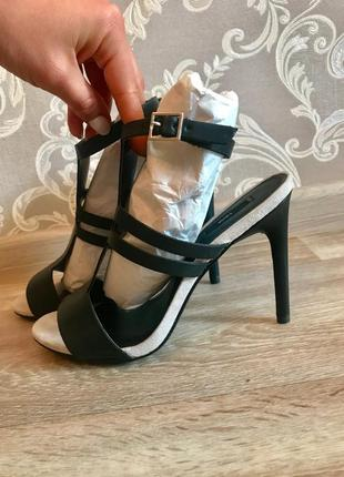 Босоножки сандали кожа (внутри) на каблуке mango 37 р-р