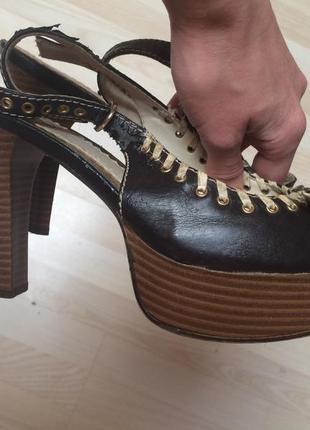 Босоножки на каблуке graceland