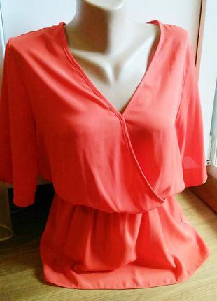 Красивая легкая фирменная блуза new look