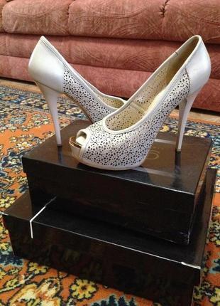 Шикарные туфли с открытым носком big rope