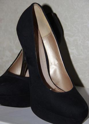 Черные туфельки!