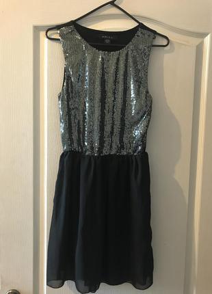 Коктельное платье с пайетками amisu
