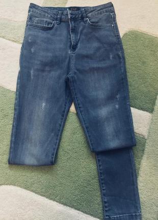 Супер skinny джинсы на высокой талии