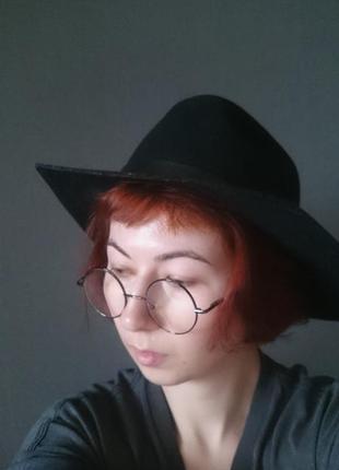 Must have стильная фирменная шляпа