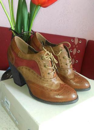 Осенне весенние туфли на толстом каблуке