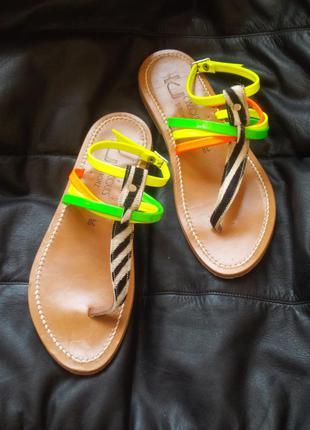 330$ брендовые стильные яркие летние кожаные сандалии гладиаторы босоножки оригинал