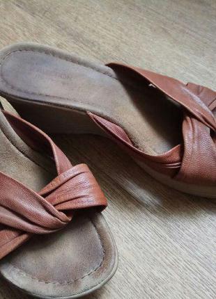 Удобные сабо рыже-коричневого цвета