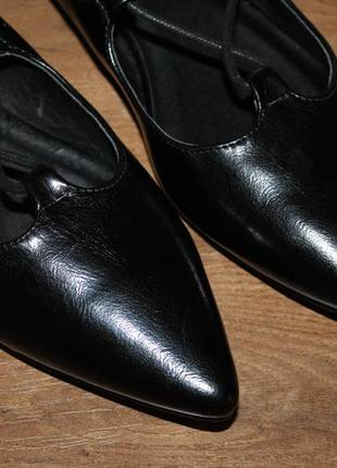 Ультрамодные туфли с острым носком на шнуровке, 40 размер