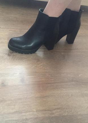 Чудові чобітки фірми h&m