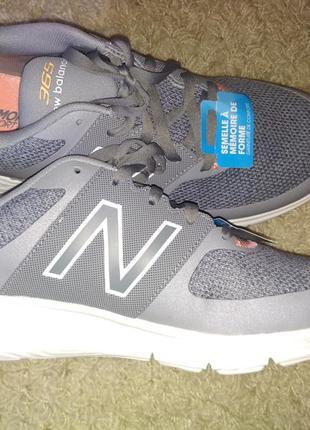 Кроссовки для бега зала