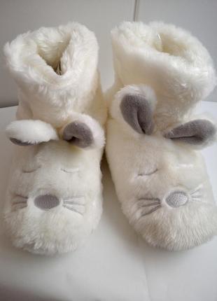 Тапочки - сапожки для дома next белые зайчики