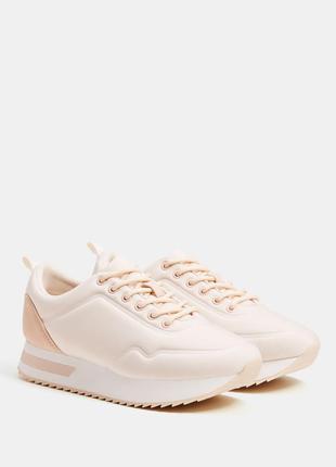 Распродажа на новые кроссовки bershka