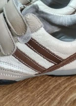 Шкіряні кросівки по стельці 17.5 см