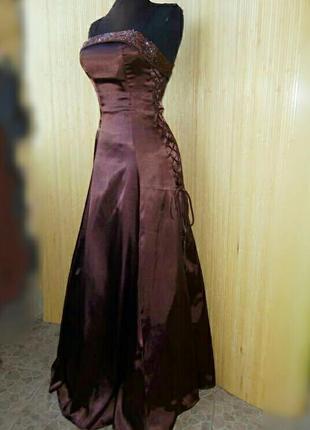 Вечернее атласное платье в пол с фатином с корсажем yves calin paris