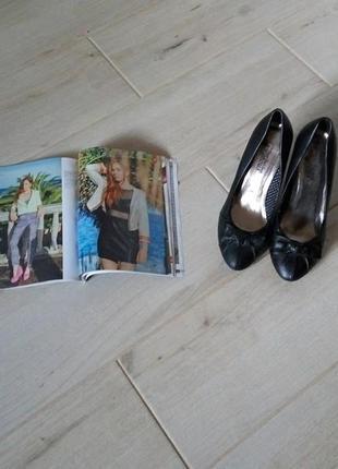 Туфли на каблуке