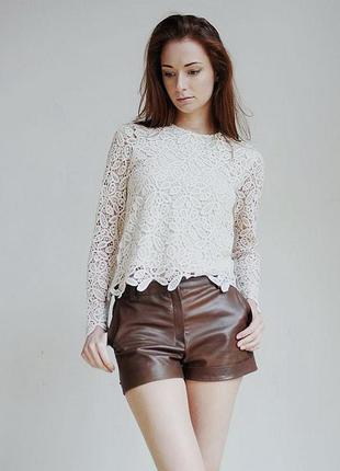 Трендовые шорты с качественного кож.заменителя коричневого цвета casualclub