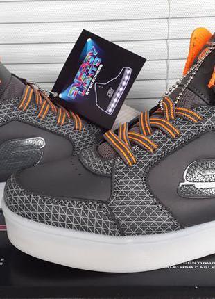 Skechers новые оригинал кожаные светящиеся кроссовки размер 38  ( по стельке 24.5 см.)