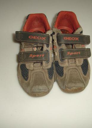 Geox кожаные туфли, кроссовки, ботинки р 28, стелька 18 см состояние нормальное,