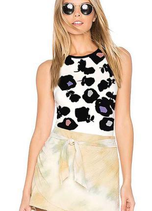 Oasis. эффектная блузка с принтом роз. на наш размер 46.