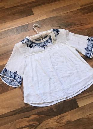 Блузочка с вышивкой 100% вискоза