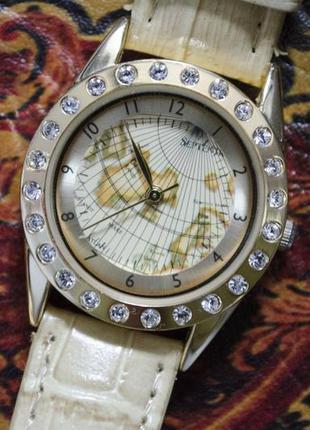 Оригінальний наручний годинник\стильные часы