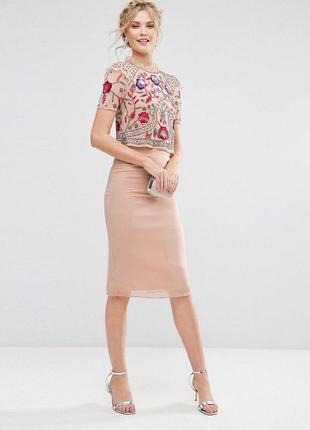 Платье футляр с вышитым пайетками топом frock and frill,р-р 8
