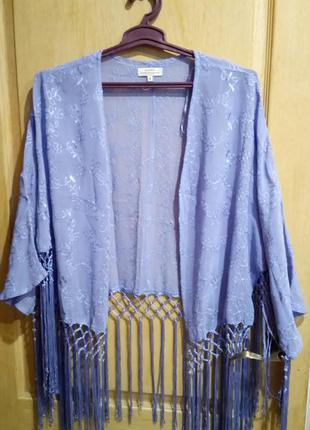 Оригинальная накидка болеро нежно-лилового цвета с бахромой фирмы рарауа