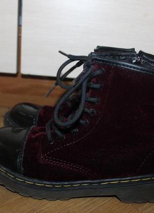 Супер крутые ботинки бархатные , велюровые орыгинал dr. martens