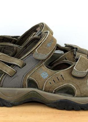 Фирменные сандалии
