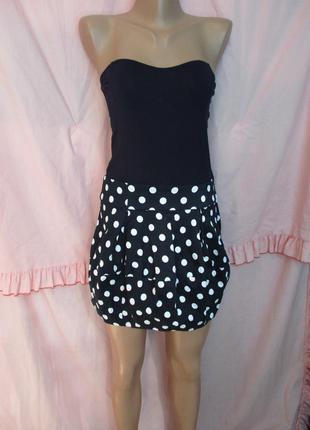 Оригинальное платье мини/открыты плечи/юбка фонарик в горох 10/м/44 размер