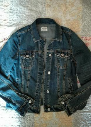 Mango джинсовая куртка 36р-р