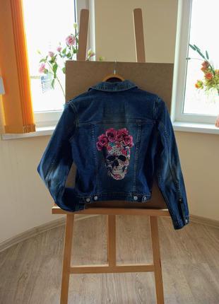 Супер-модная джинсовая куртка.
