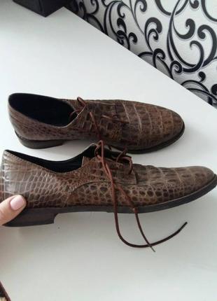 Новие туфли, оригинальние
