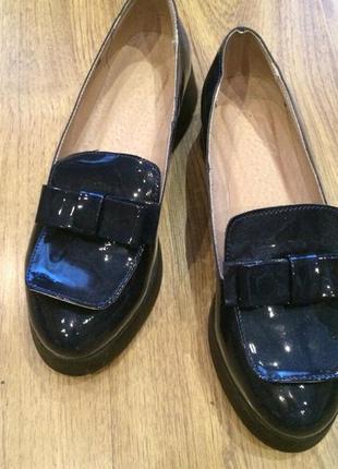 Туфли ботики лаковые
