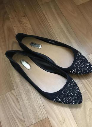Красивые чёрные балетки туфли лодочки замш