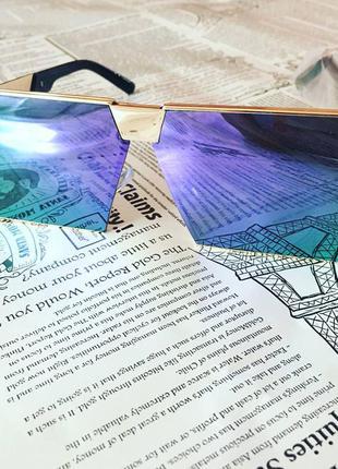Яркие очки для вечеринки