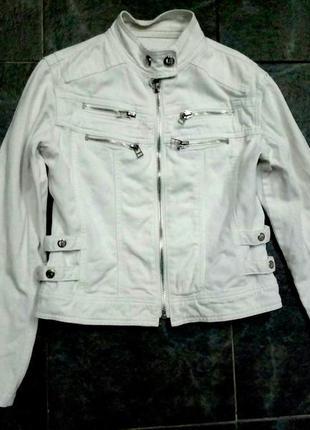 Белая ддинсовая куртка, джинсовый пиджак, дакет