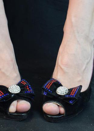 Туфли с открытым носом,на каблуке