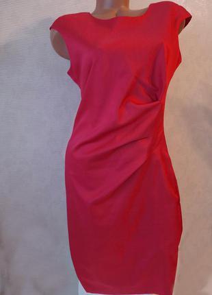 Платье футляр ягодного цвета, немнущееся