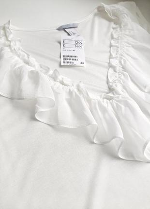 Нежная эластичная блуза с рюшей р.20-22