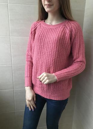 Женский розовый свитер крупной вязки