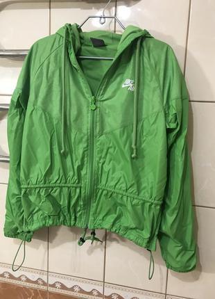 Спортивная куртка ветровка nike