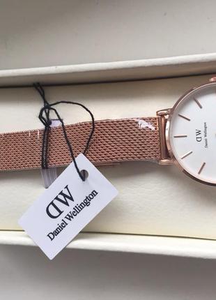 Часы бренд  daniel wellington ( оригинал)