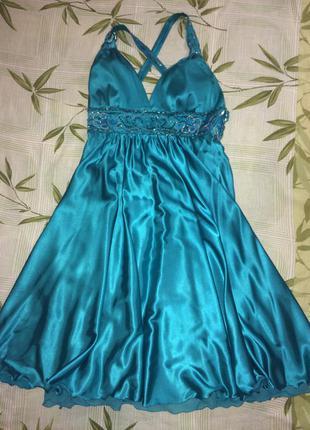 Вечернее платье цвета морской волны