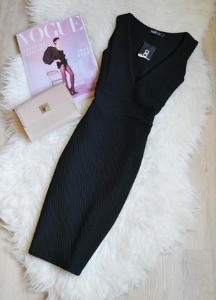 Новое черное фактурное платье с декольте boohoo