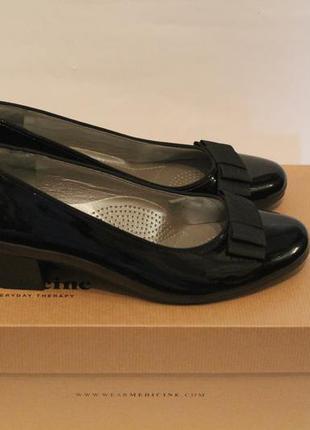 Черные лаковые туфли ara, германия. новые кожаные туфли с бантиком