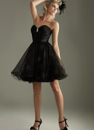 Черное коктельное платье с юбкой-пачкой