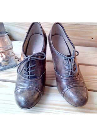 Кожаные туфли со шнуровкой оксфорды на комфортном каблуке р. 38 (uk 5)
