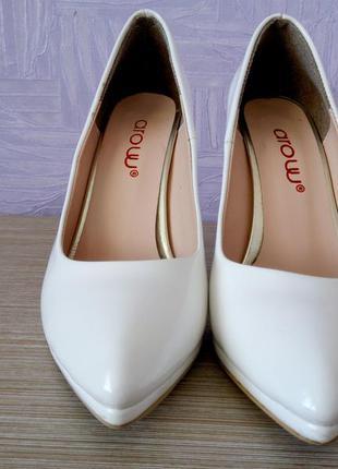 Лаковые белые туфли, туфли кожаные, свадебные туфли